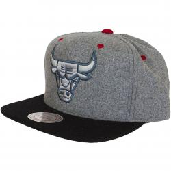 Mitchell & Ness Snapback Cap Chicago Bulls grau/schwarz