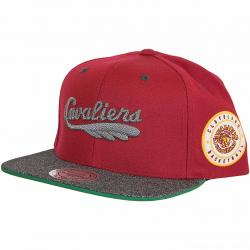 Mitchell & Ness Snapback Cap HWC Melange Patch Cleveland Cavaliers weinrot/grau