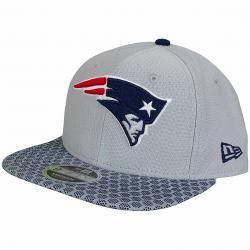New Era 9Fifty Snapback Cap OnField NFL17 New England Patriots grau/dunkelblau