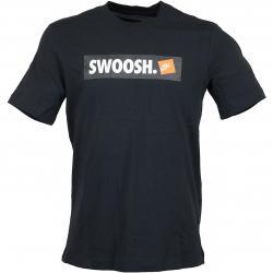 Nike T-Shirt Swoosh Bumper Sticker schwarz/weiß