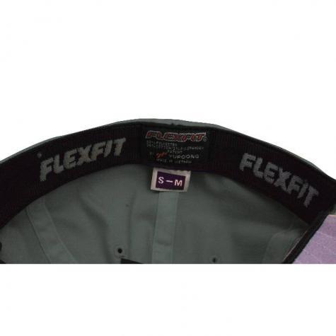 Yupoong Flexfit Basecap weiß