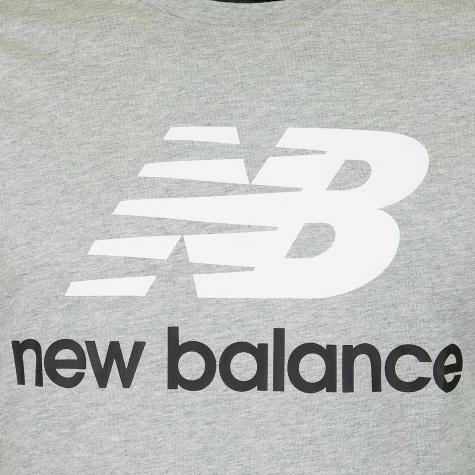 New Balance T-Shirt Essentials Stacked grau