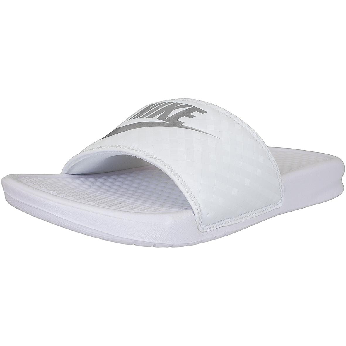 752384988fcb32 ☆ Nike Damen Badelatschen Benassi Just Do It weiß silber - hier ...