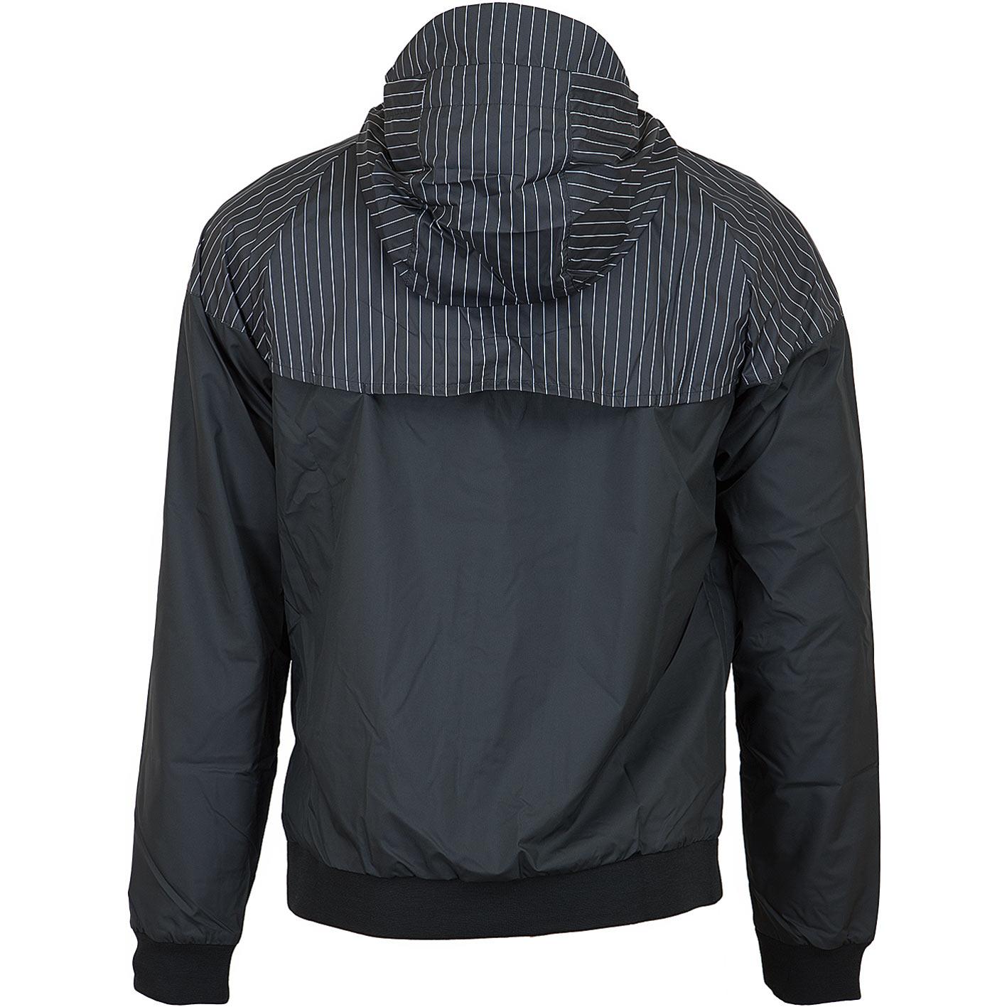 ☆ Nike Jacke HD Reg GFX schwarz/weiß - hier bestellen!
