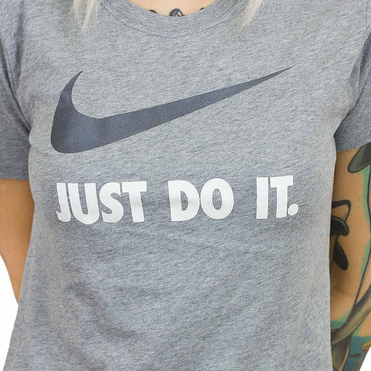 Nike damen t shirt crew just do it swoosh grau schwarz for Nike t shirts just do it