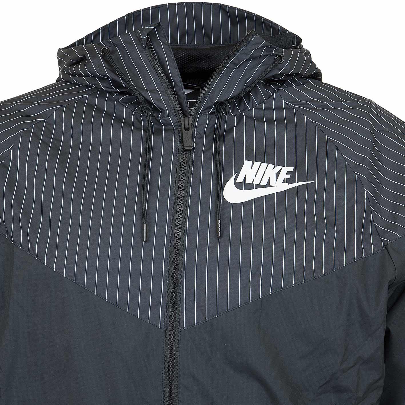 ☆ Nike Jacke HD Reg GFX schwarzweiß hier bestellen!
